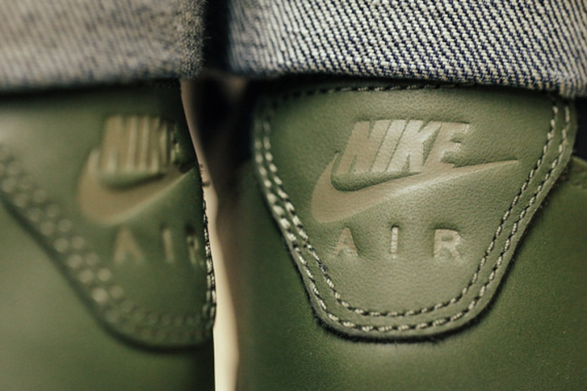 nike-air-wildwood-le-prm-black-olive-05
