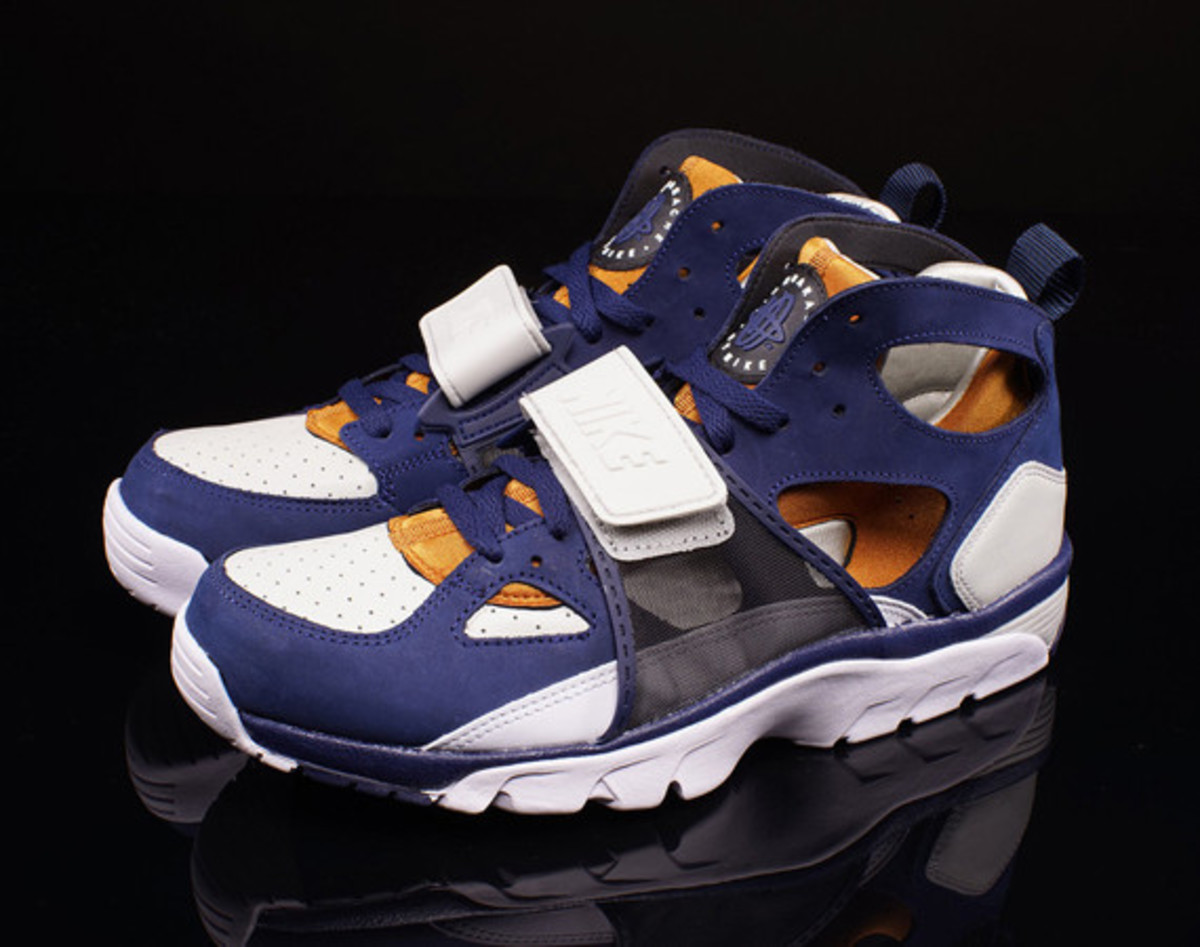 best website 77050 1dbd2 Nike Air Trainer Huarache