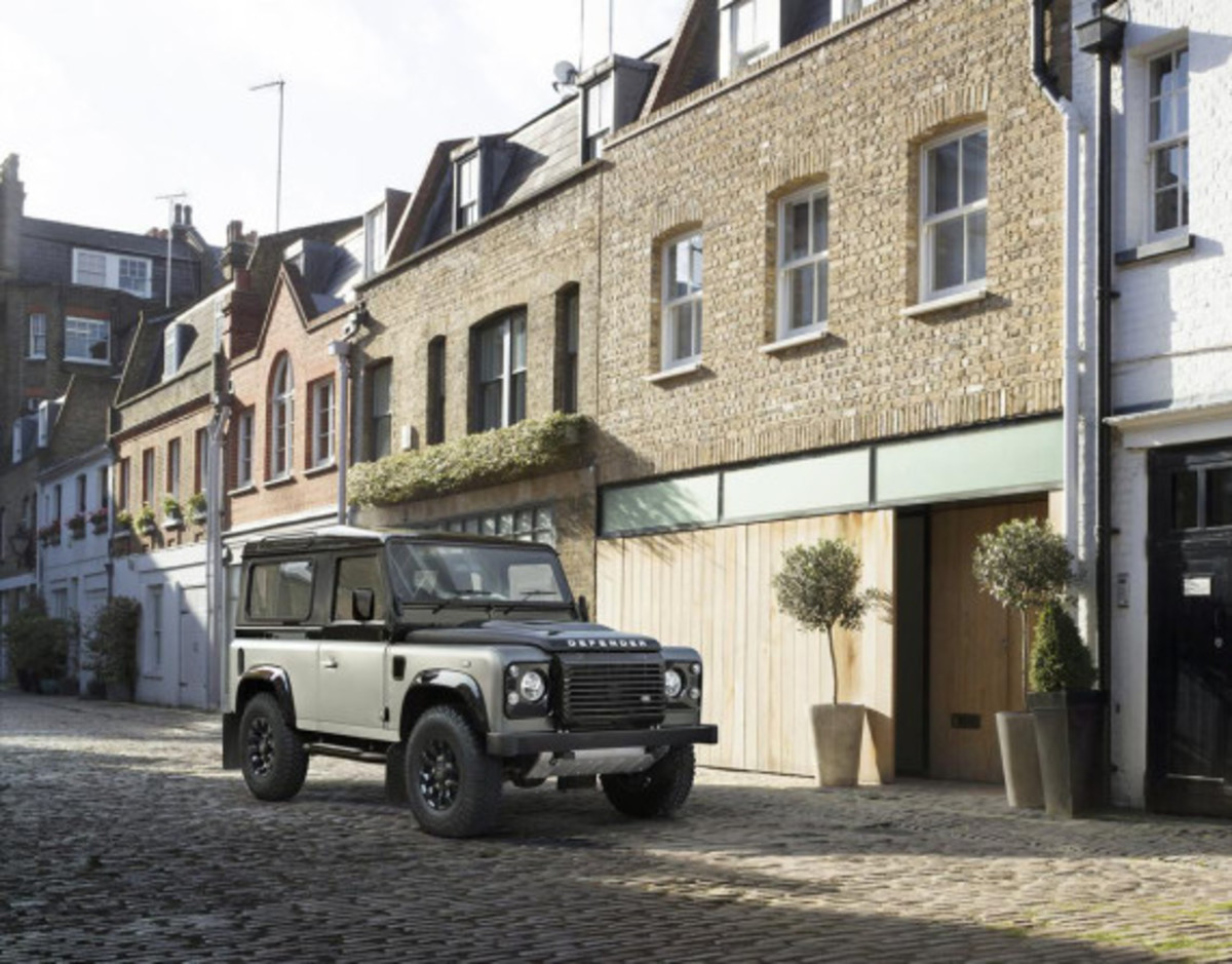 land-rover-limited-edition-defenders-11