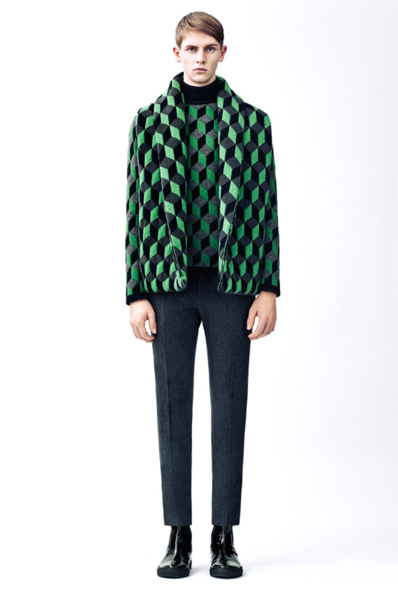 christopher-kane-fall-winter-2015-collection-12