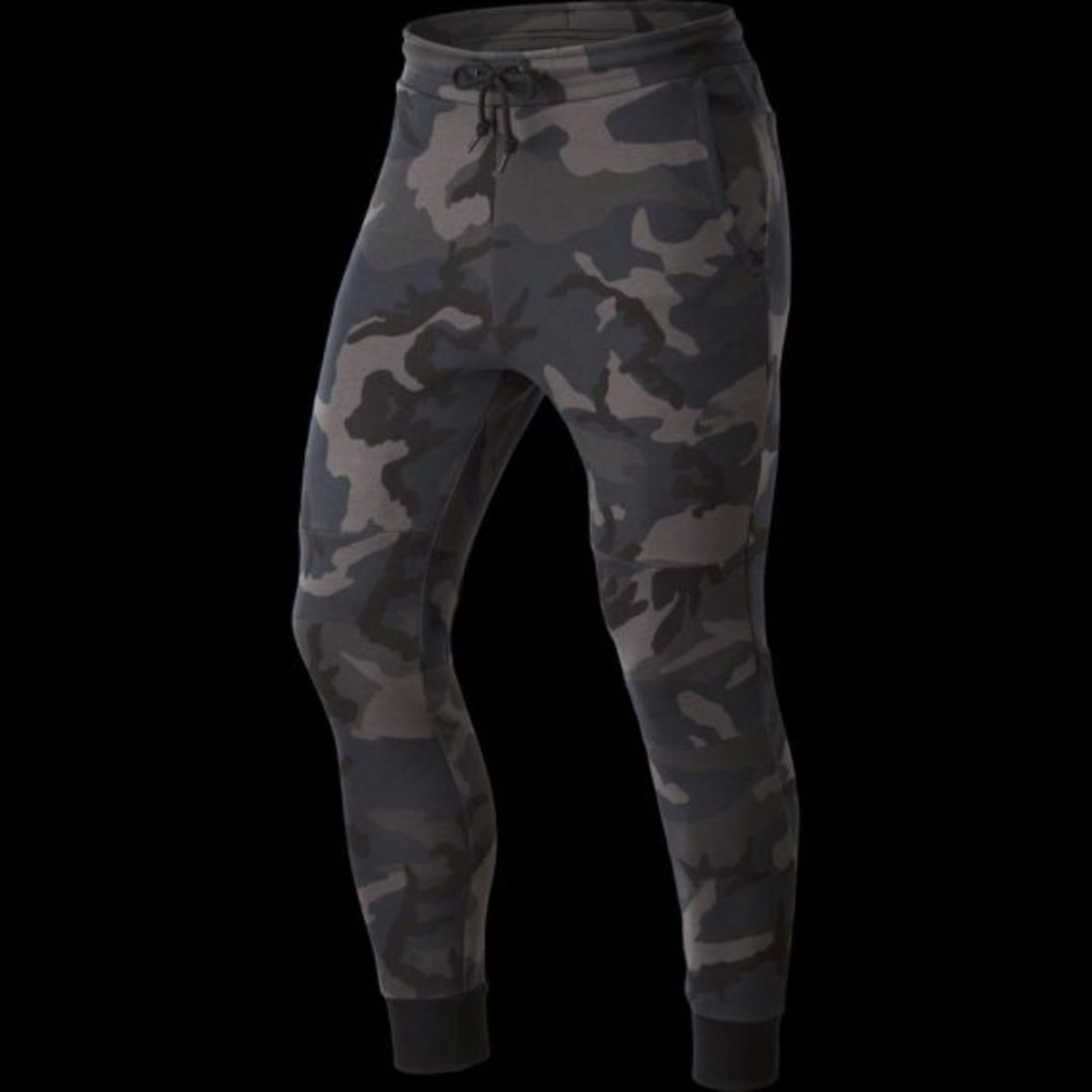 nike-tech-fleece-pants-camo-02