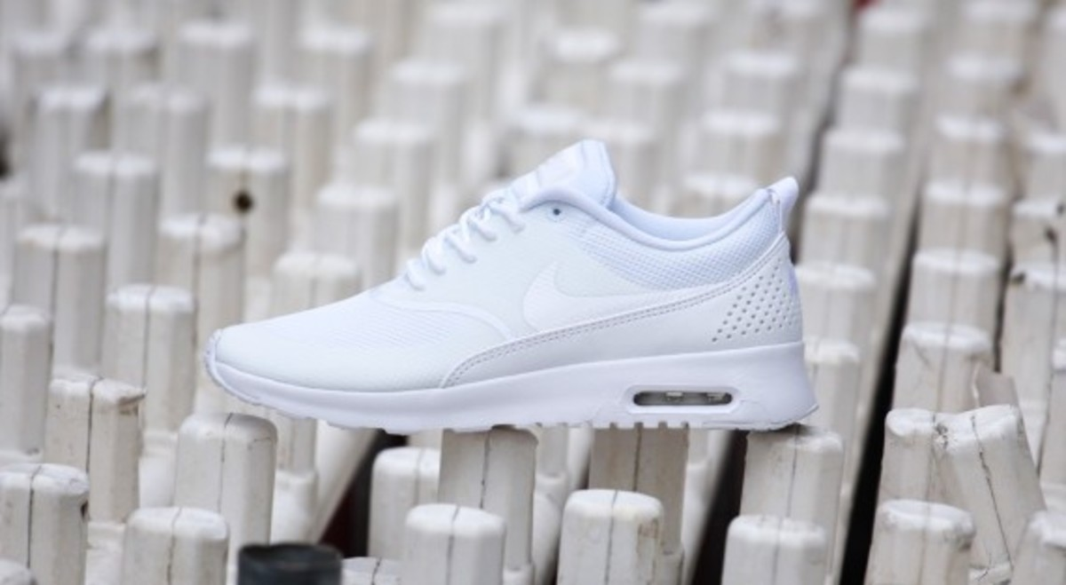 nike-wmns-air-max-thea-all-white-06
