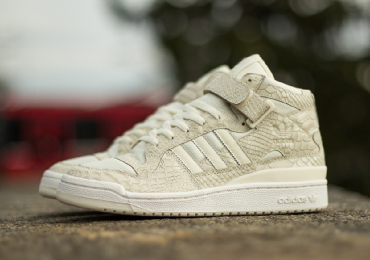 adidas-originals-forum-mid-rs-reptile-pack-white-01