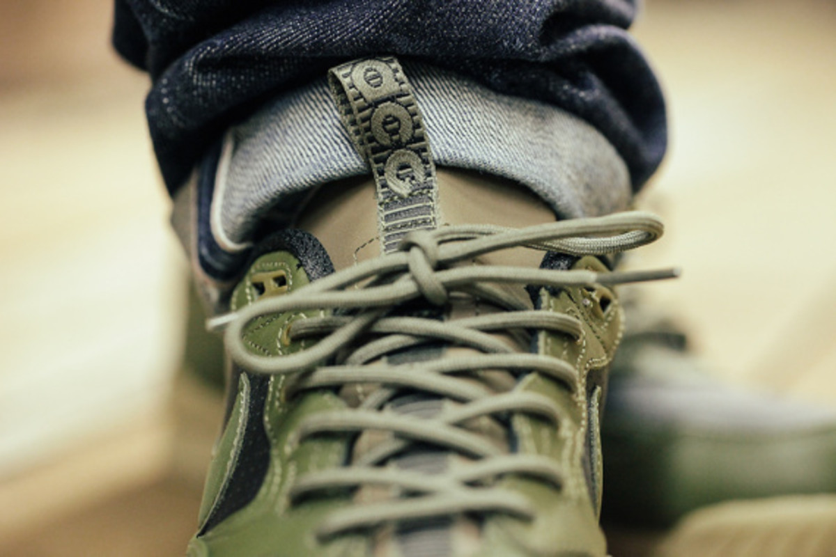 nike-air-wildwood-le-prm-black-olive-07