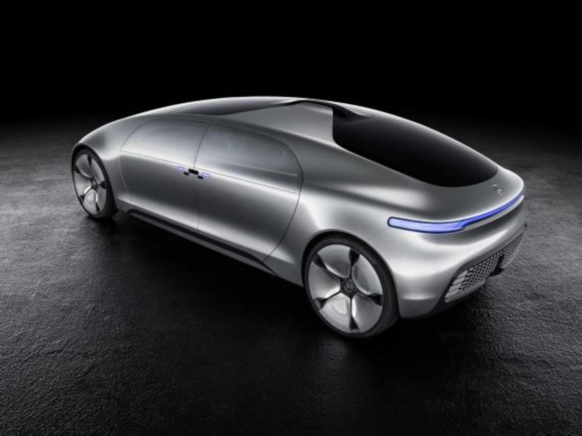 mercedes-benz-f-015-luxury-in-motion-concept-02