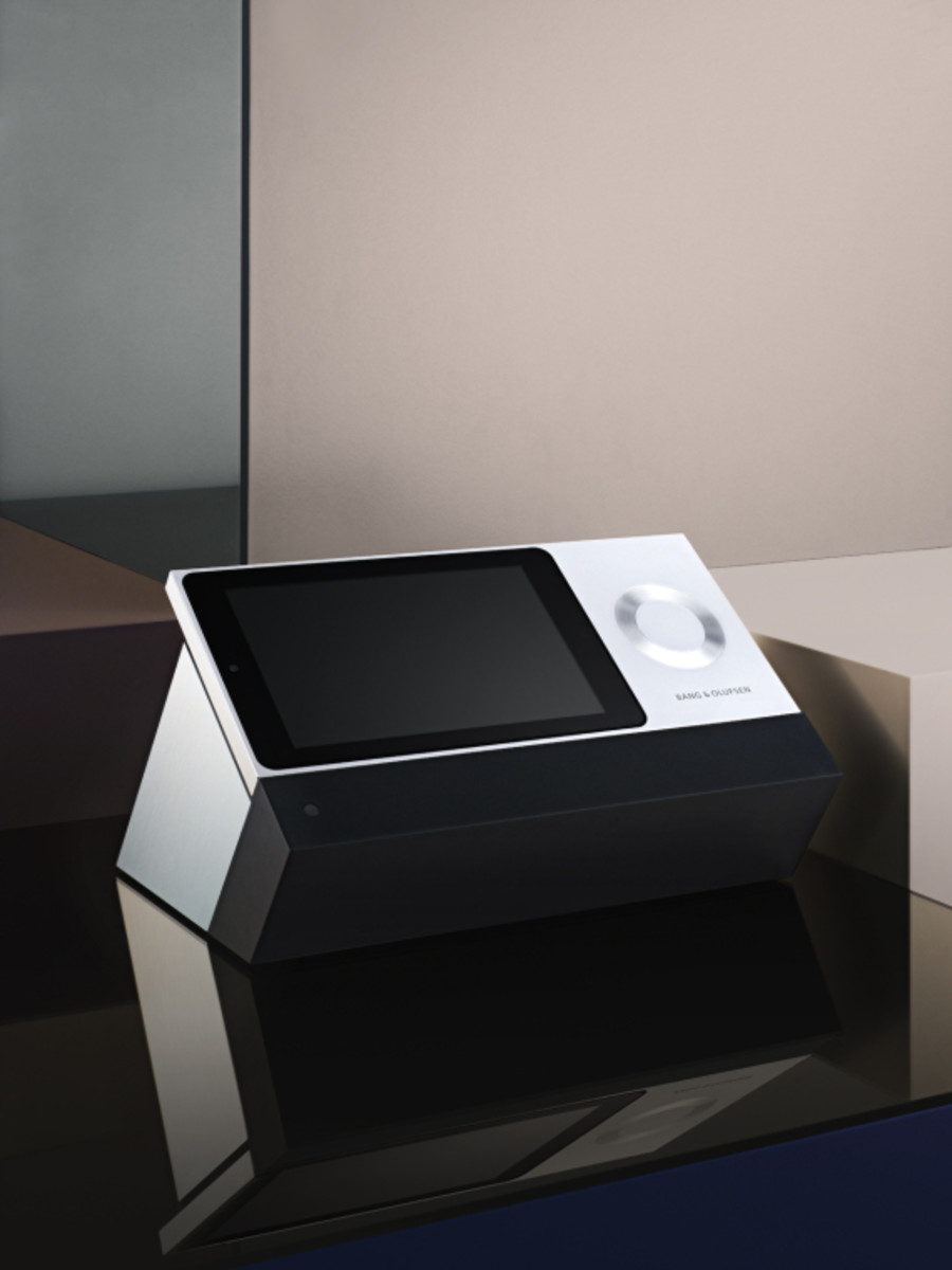 bang-and-olufsen-besound-moment-03