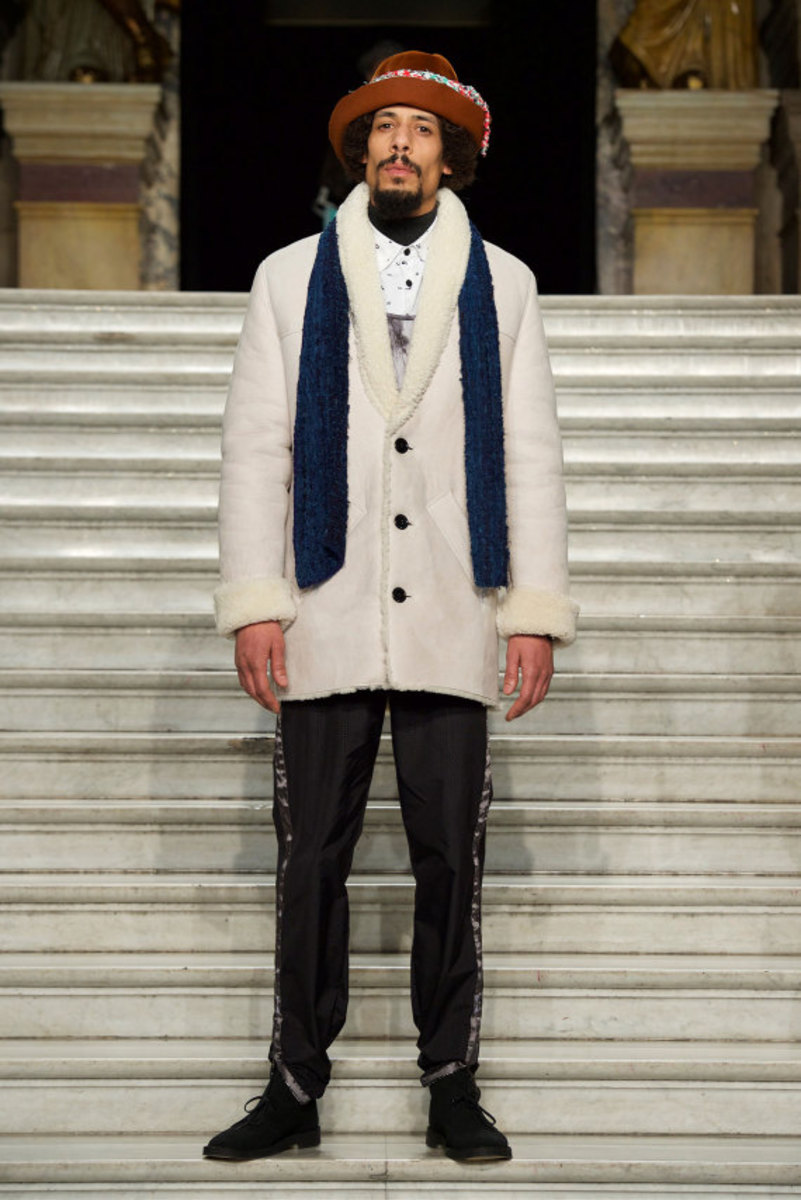 pigalle-fall-winter-2015-collection-runway-show-10