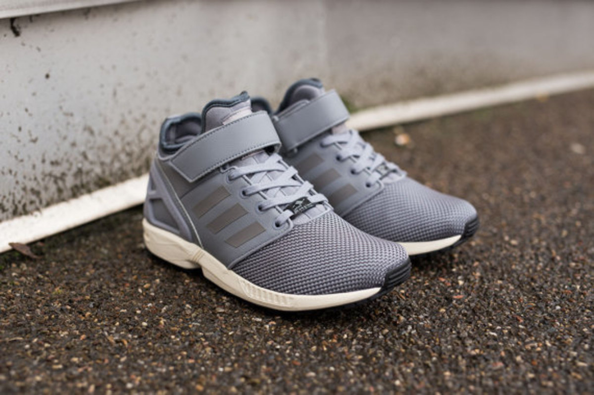 adidas zx flux wit,adidas ultra boost grey gradient,adidas superstar 2