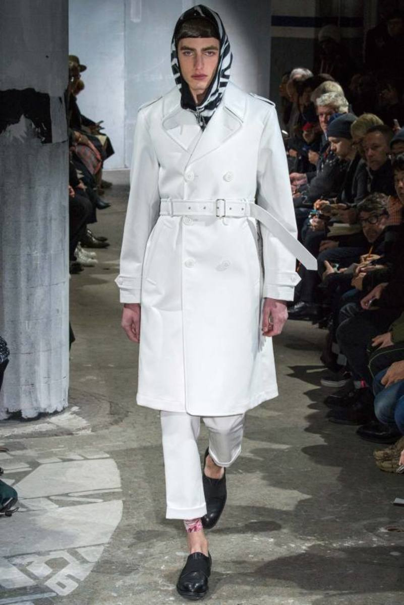 comme-des-garcons-fall-winter-2015-collection-19