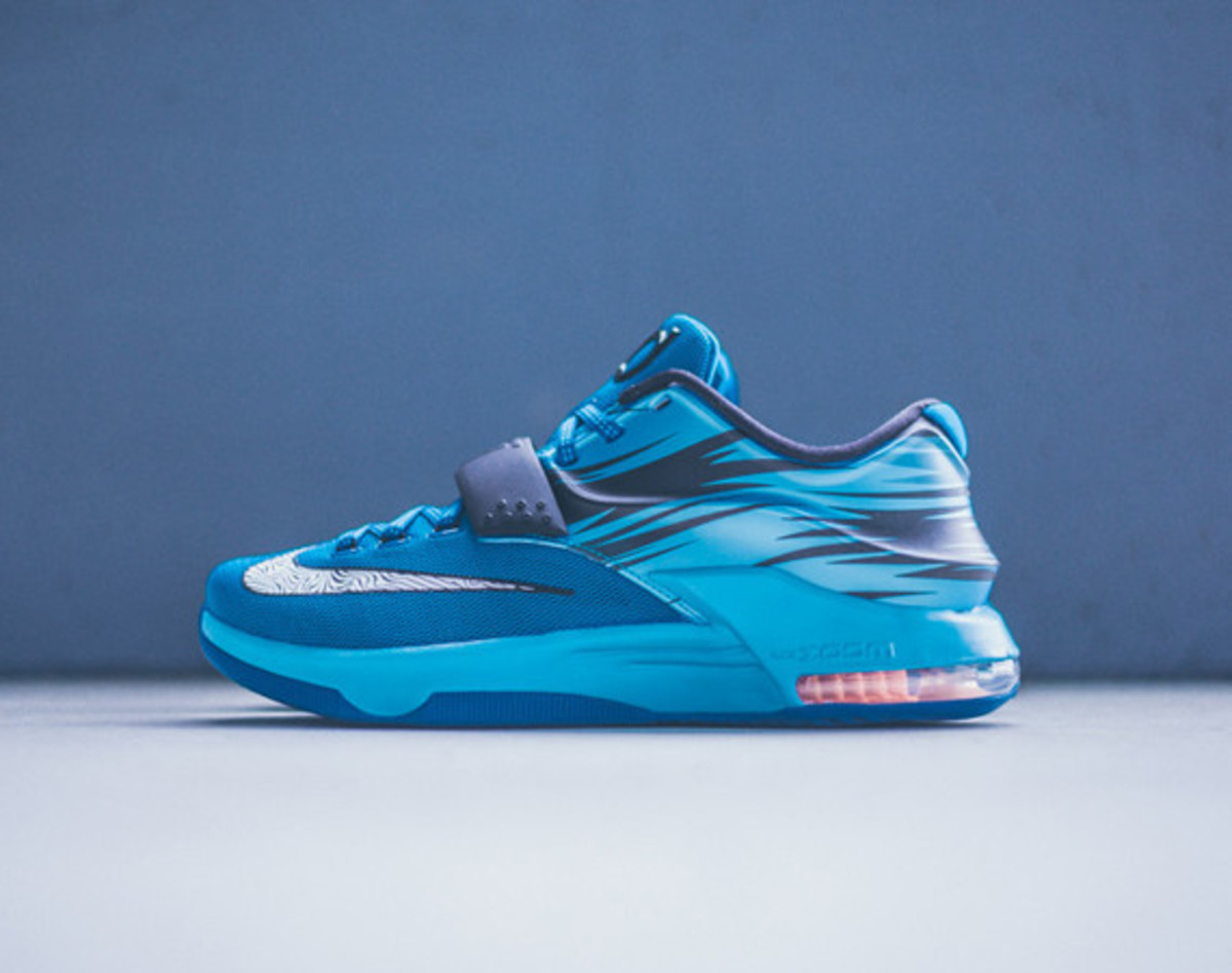 nike-kd-7-lacquer-blue-01