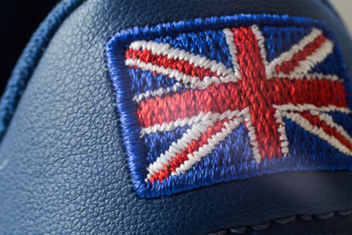 new-balance-flying-the-flag-collection-11