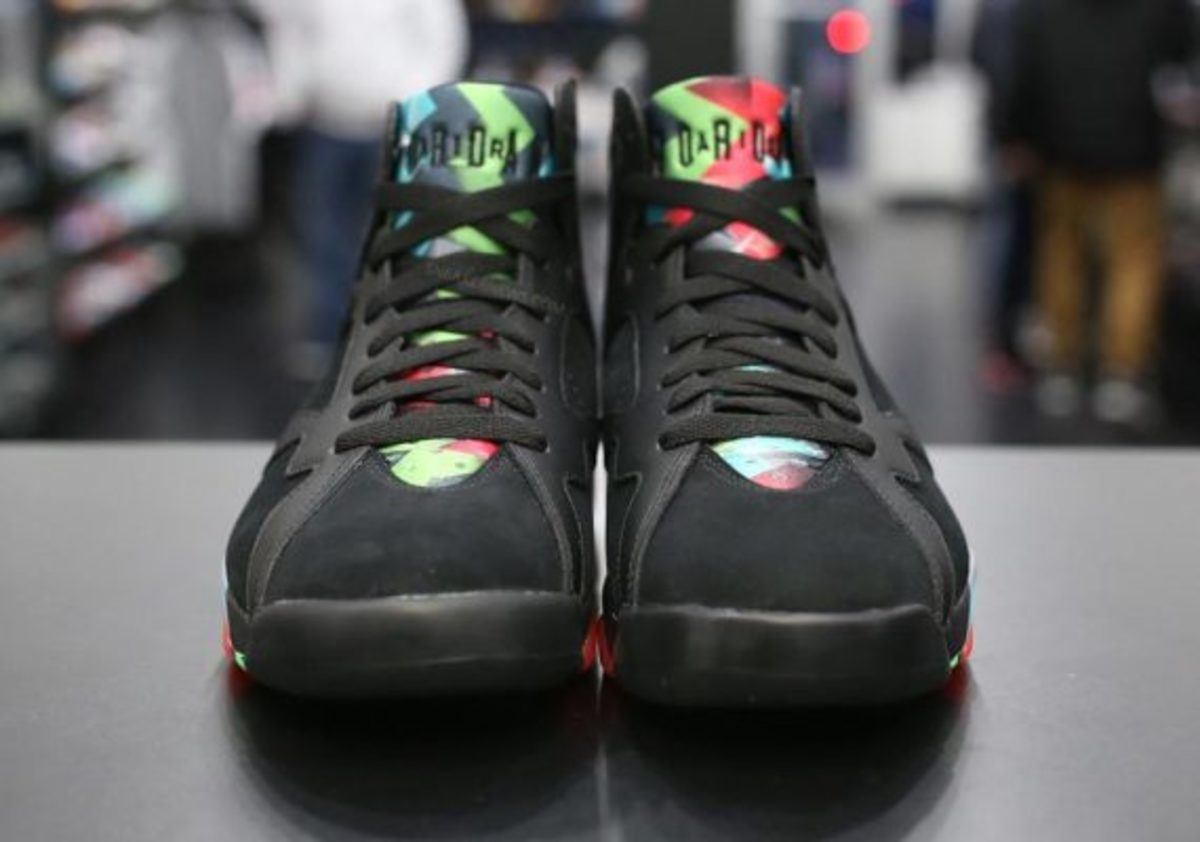 air-jordan-7-marvin-the-martian-preview-03