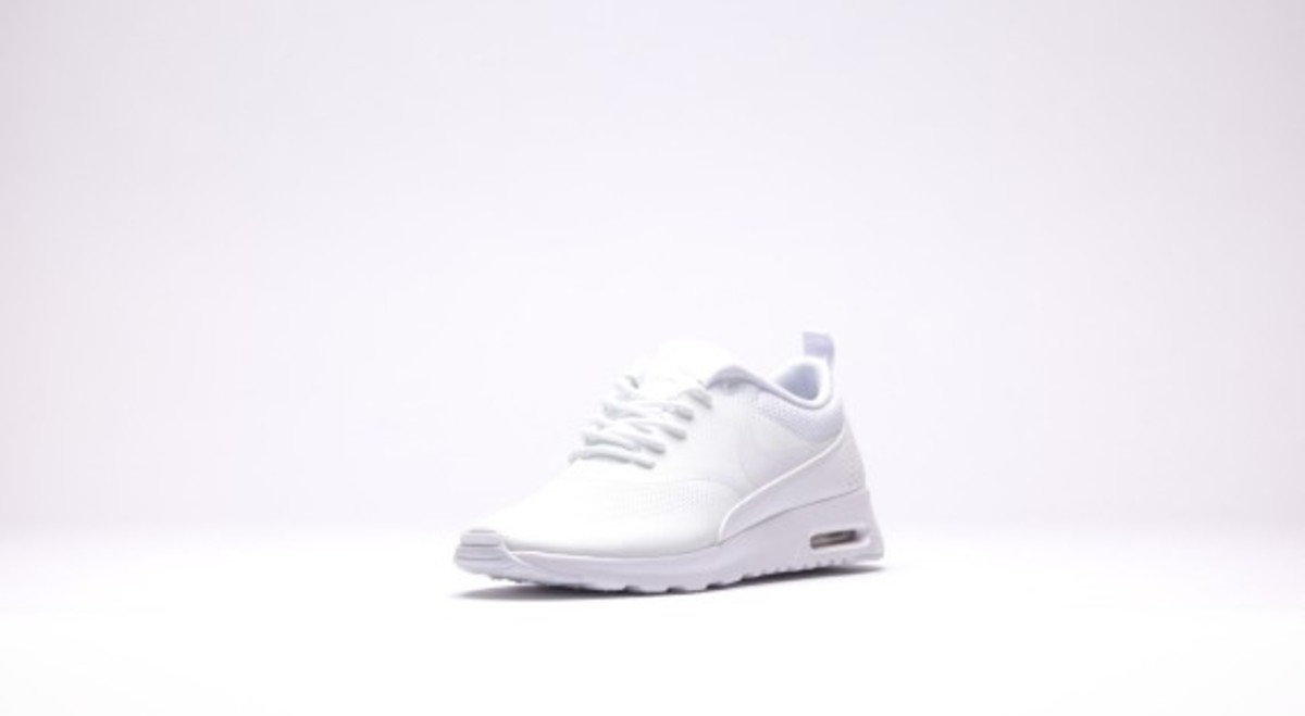 nike-wmns-air-max-thea-all-white-04