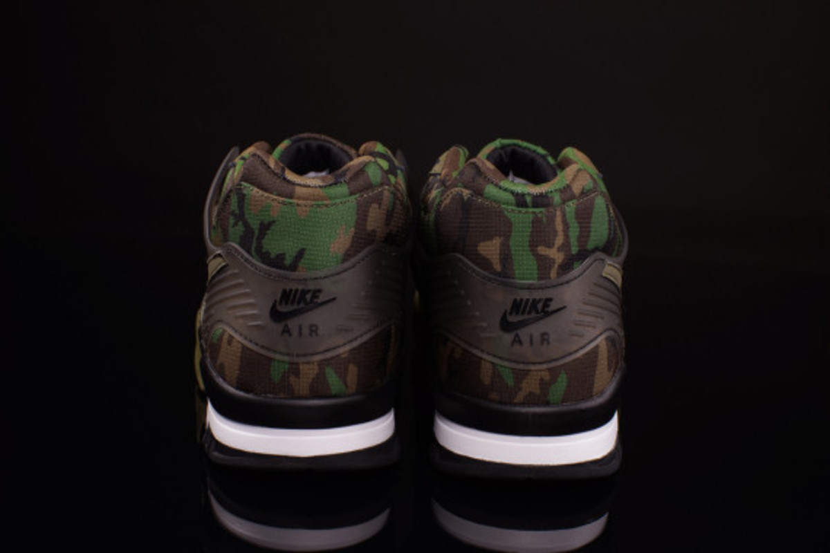 nike-air-trainer-3-camo-olive-06