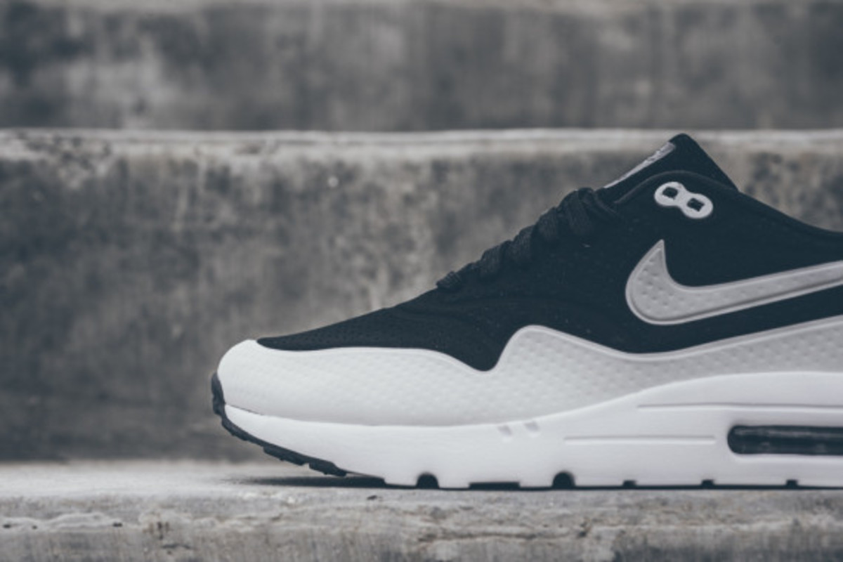 nike-air-max-1-ultra-moire-black-white-02