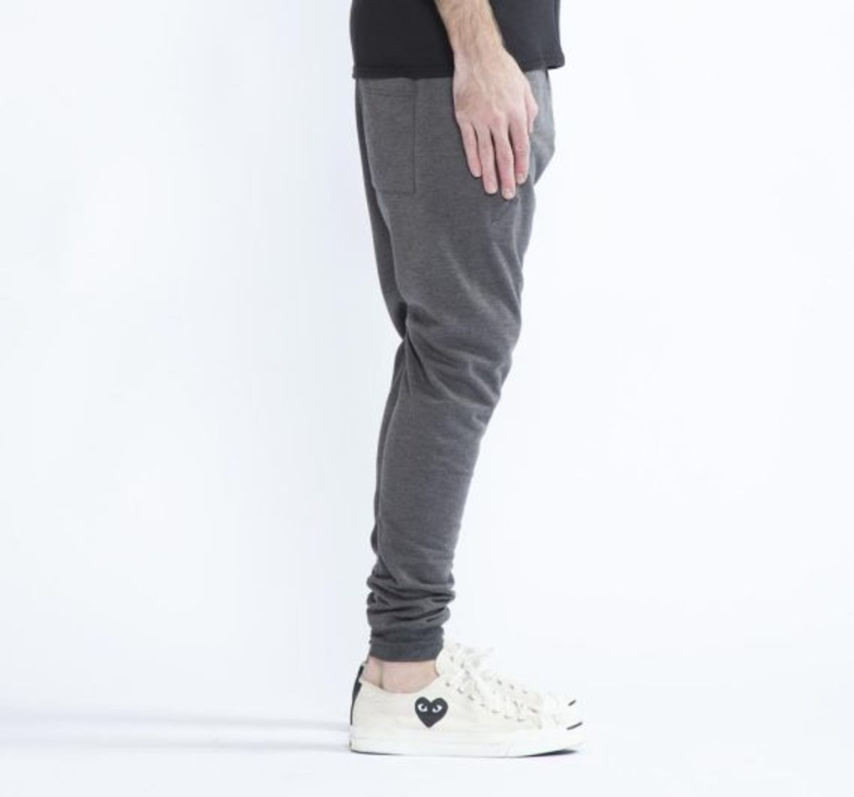 12-days-freshness-publish-brand-joggers-fleece-collection-02
