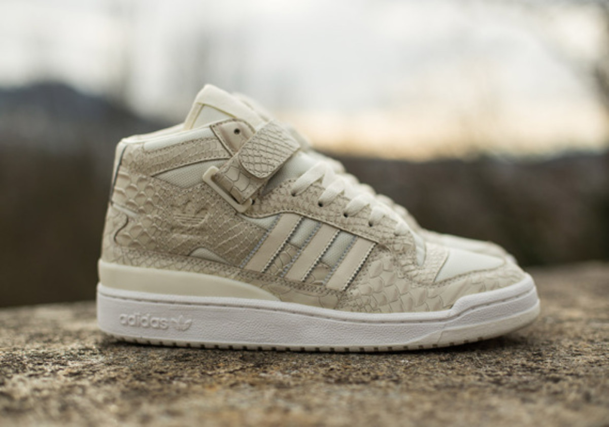 adidas-originals-forum-mid-rs-reptile-pack-white-02