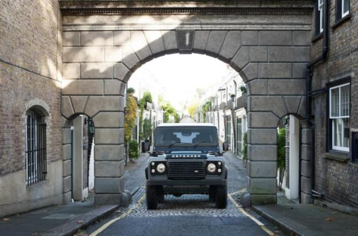 land-rover-limited-edition-defenders-12