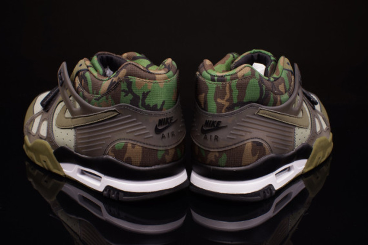 nike-air-trainer-3-camo-olive-04