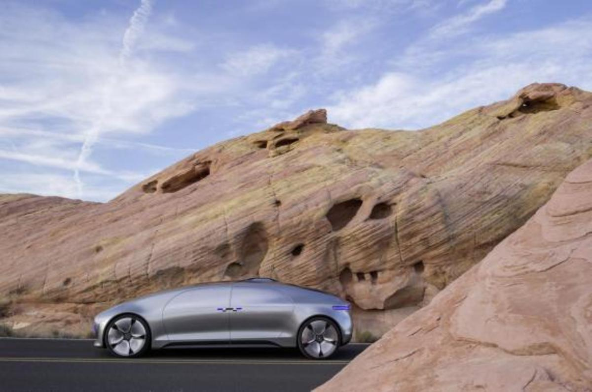 mercedes-benz-f-015-luxury-in-motion-concept-10