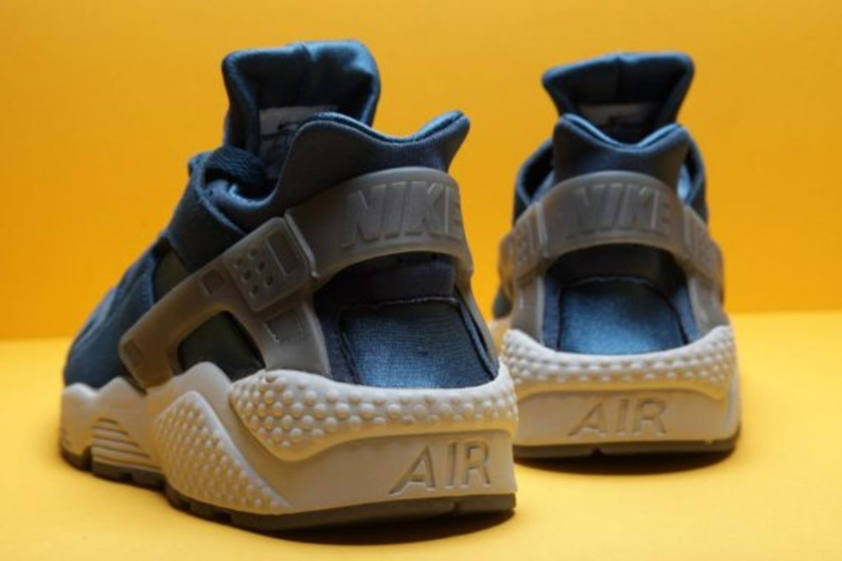 nike-air-huarache-blue-force-04