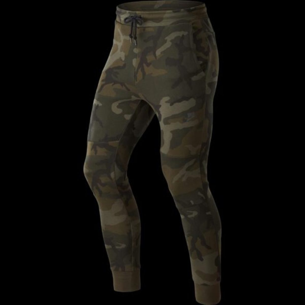 nike-tech-fleece-pants-camo-01