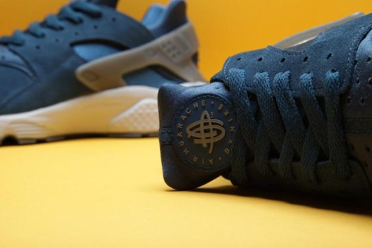 nike-air-huarache-blue-force-02