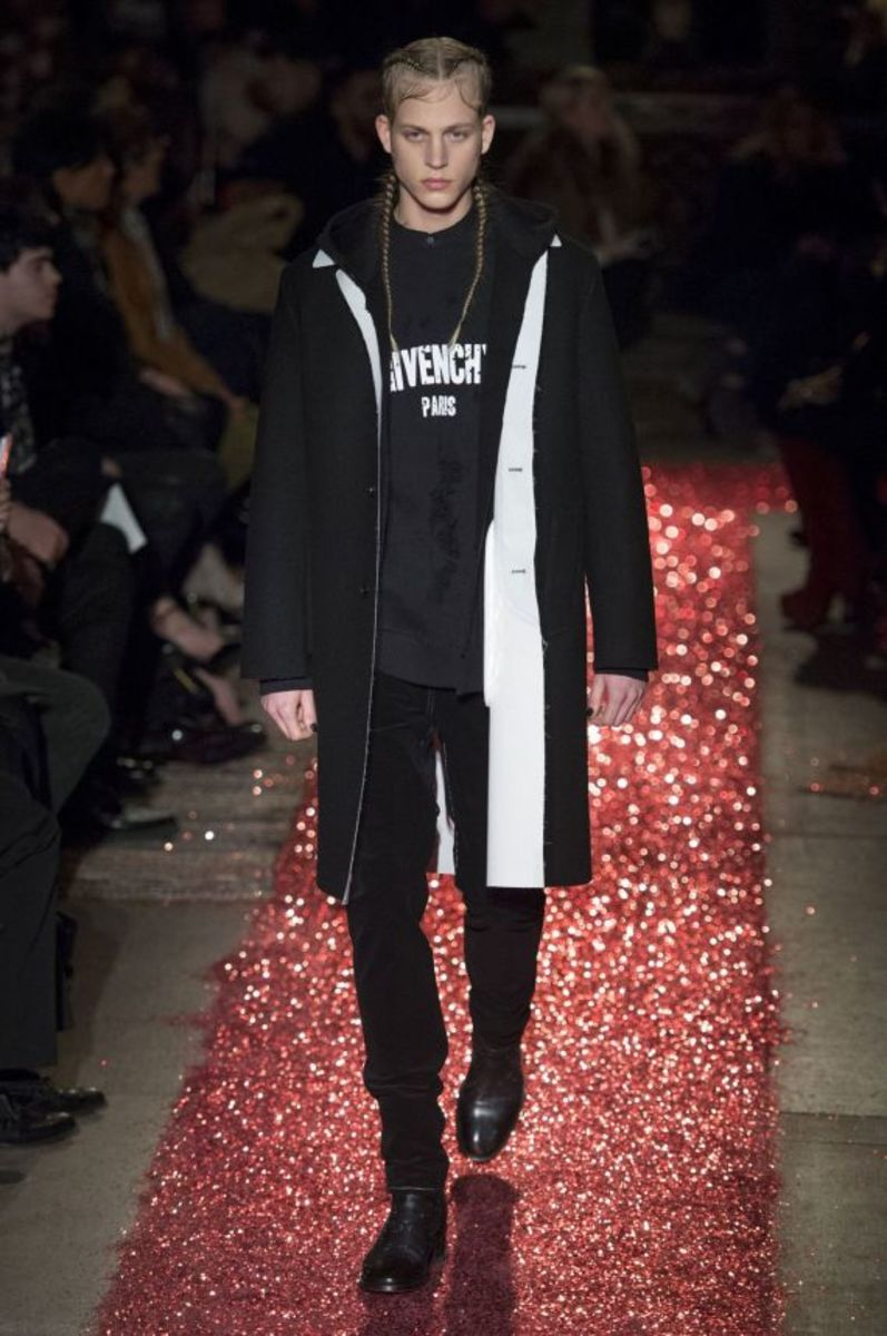 givenchy-fall-winter-2015-collection-09