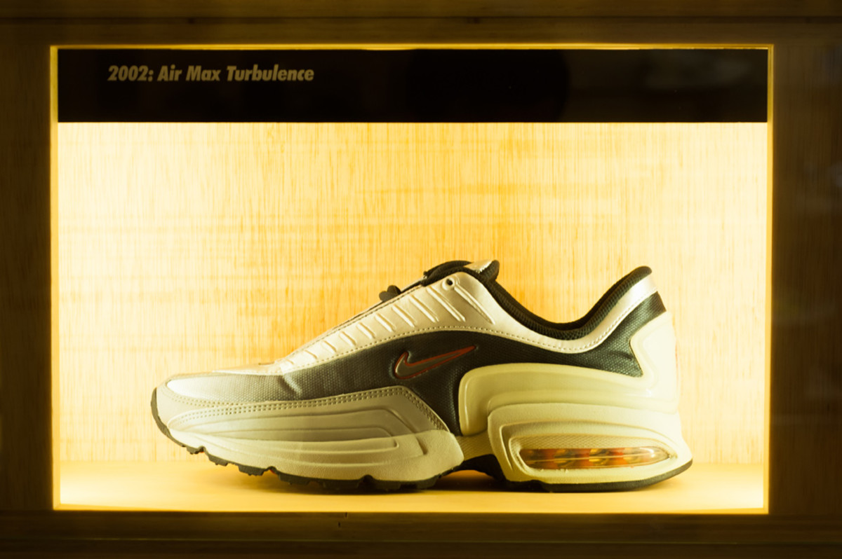 the-worlds-largest-air-max-wall-11