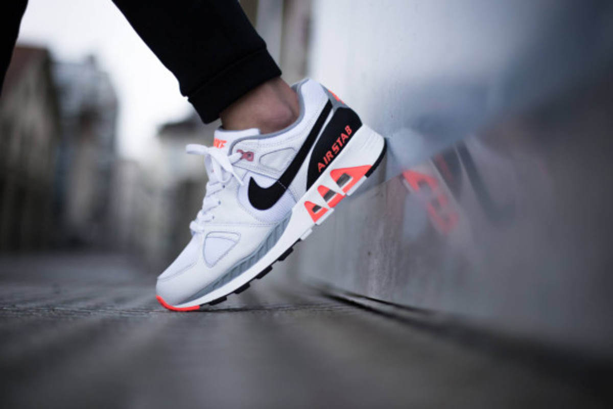 nike-air-stab-hot-lava-05