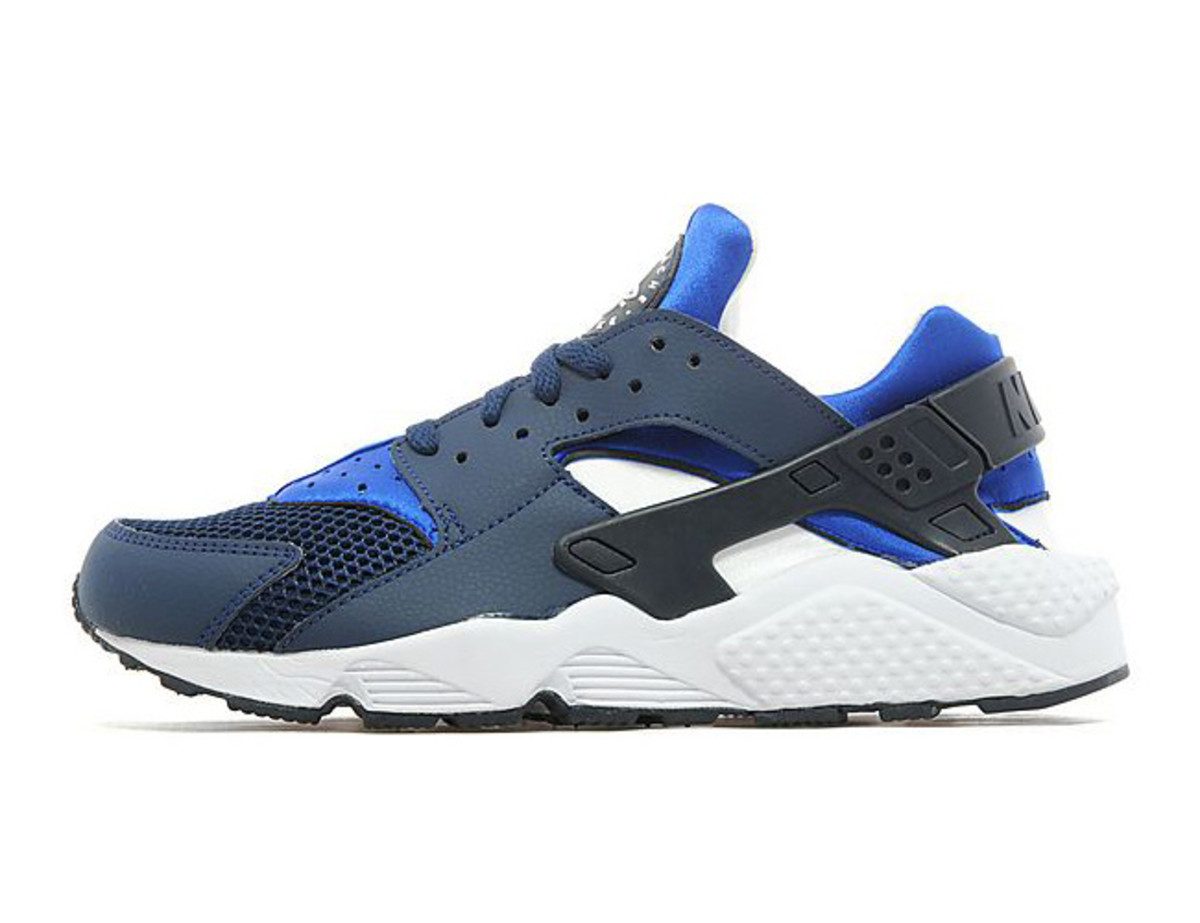 nike-air-huarache-two-tone-blue-01
