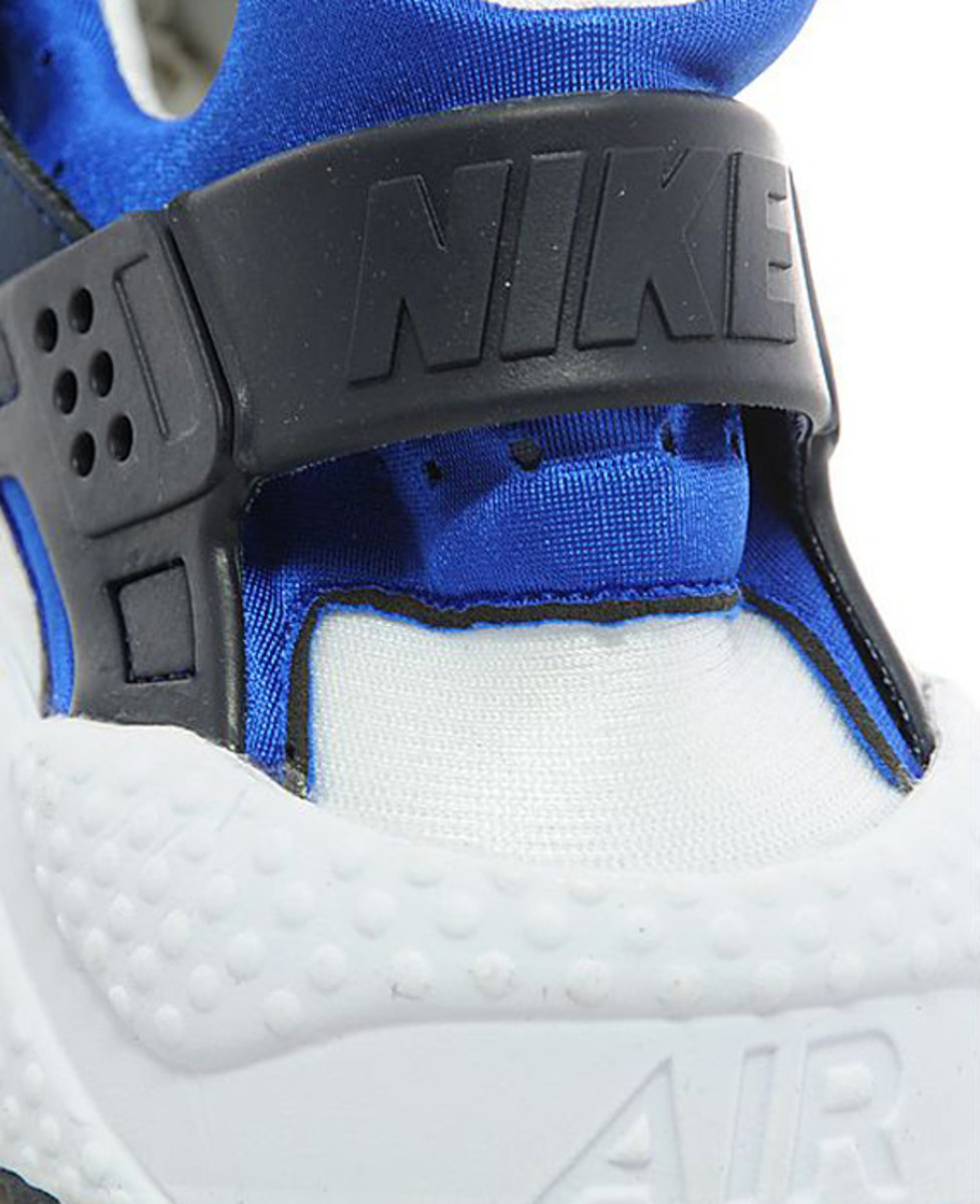 nike-air-huarache-two-tone-blue-04