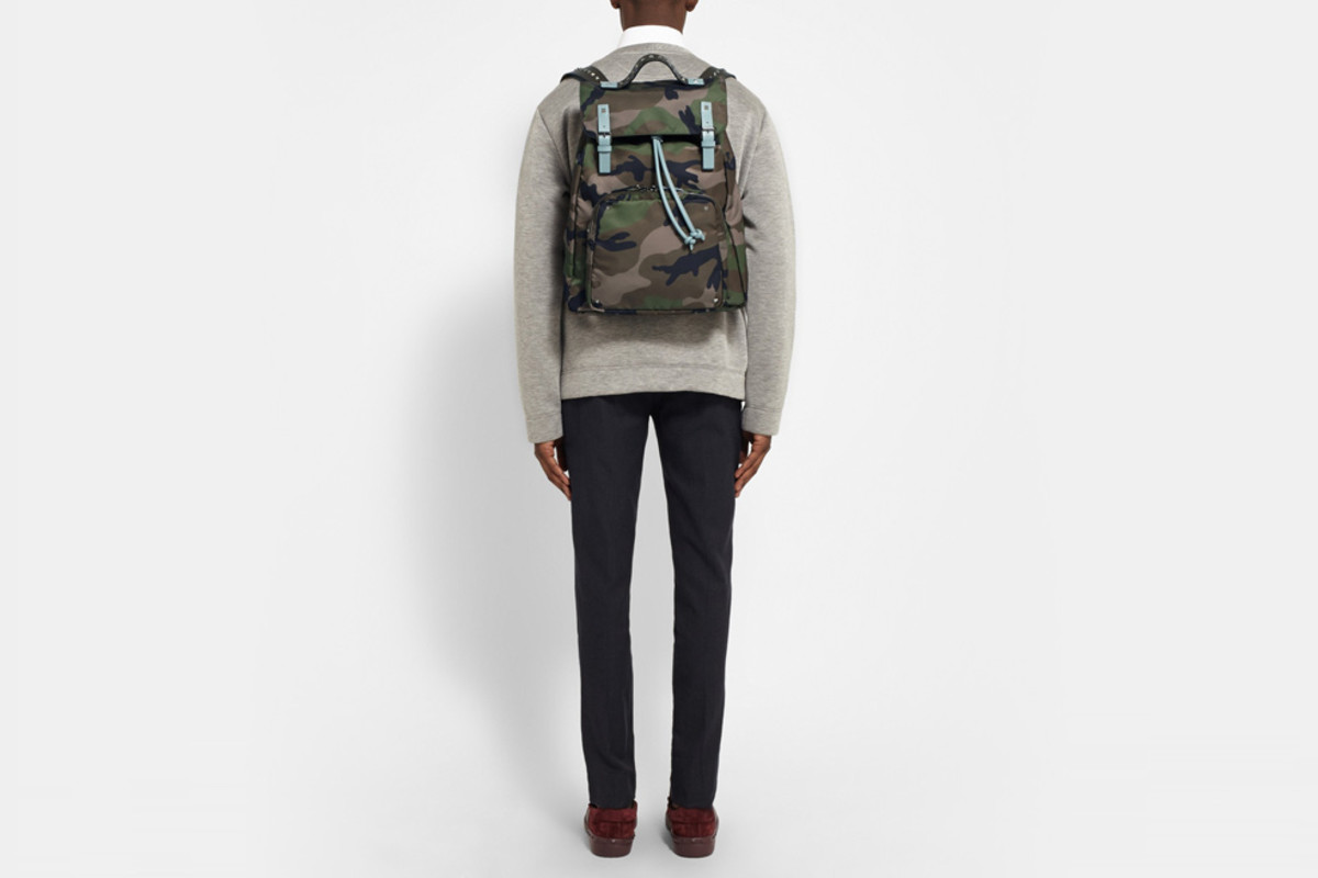 valentino-camouflage-canvas-backpack-04