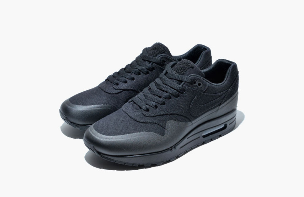 nike-air-max-1-v-sp-monotone-pack-01