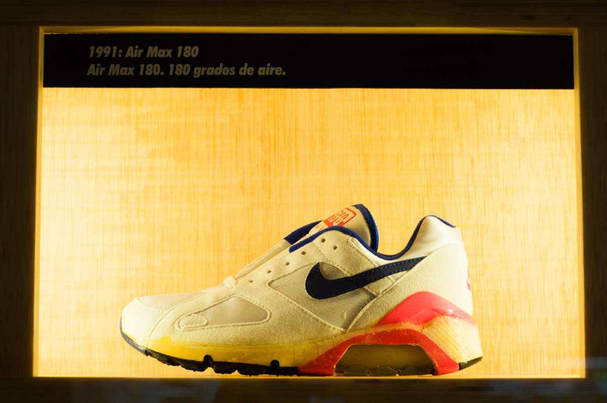 the-worlds-largest-air-max-wall-09