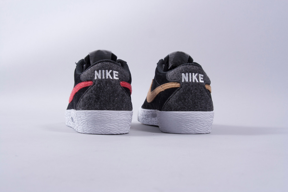 lost-art-nike-sb-docklands-collection-02