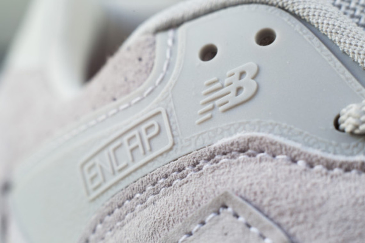 new-balance-flying-the-flag-collection-07