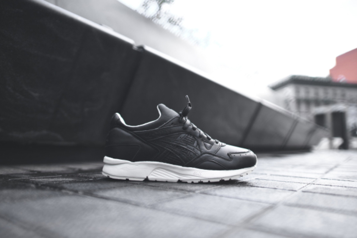 kith-asics-gel-lyte-v-and-gt-2-grand-opening-03