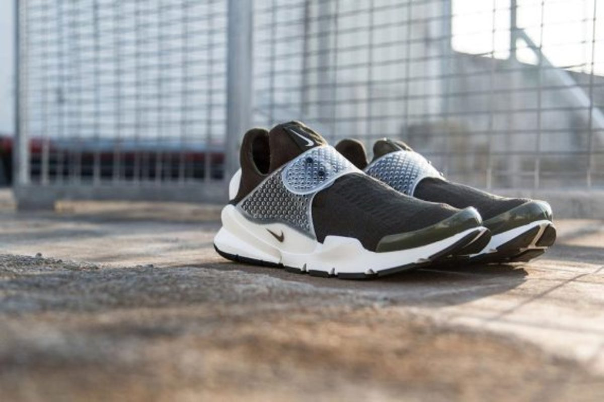 fragment-design-nike-sock-dart-another-look-01