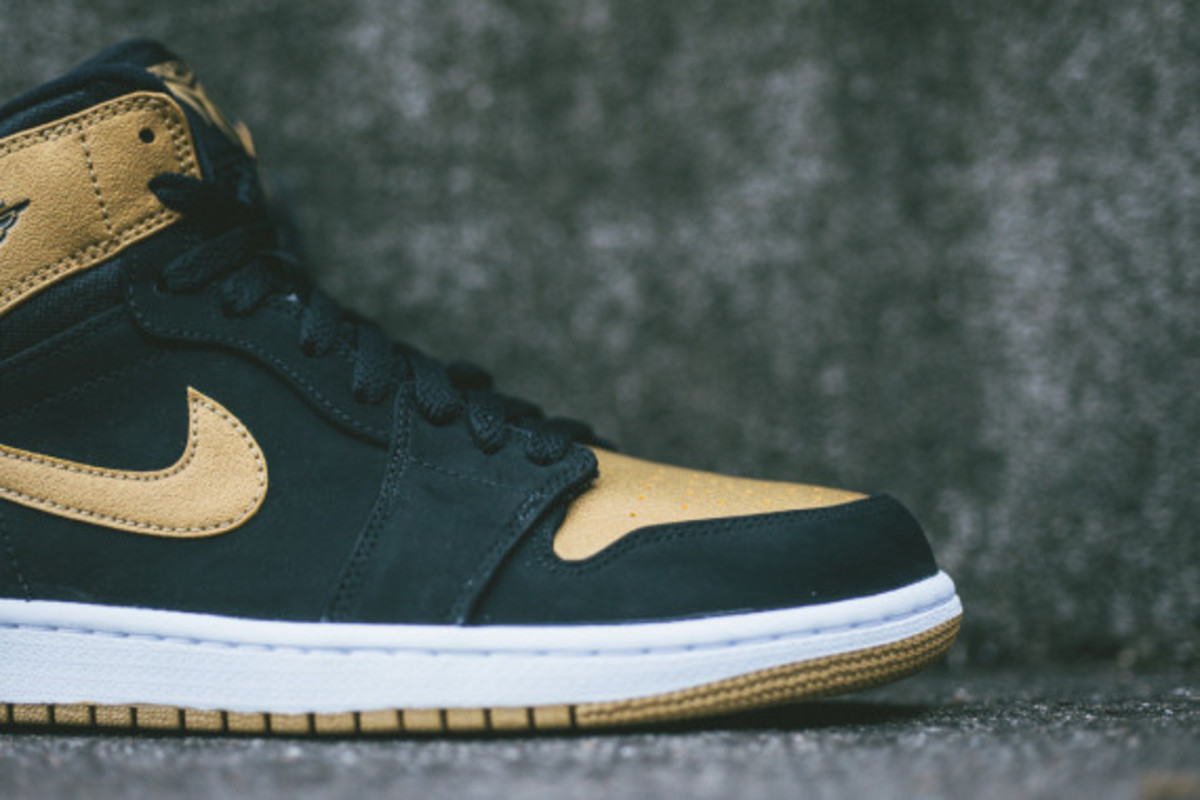 air-jordan-1-retro-high-melo-07