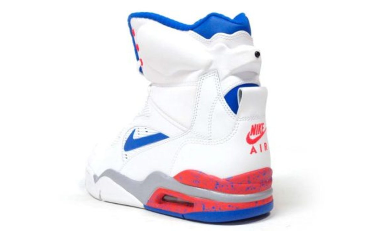 nike-air-command-force-ultramarine-another-look-03