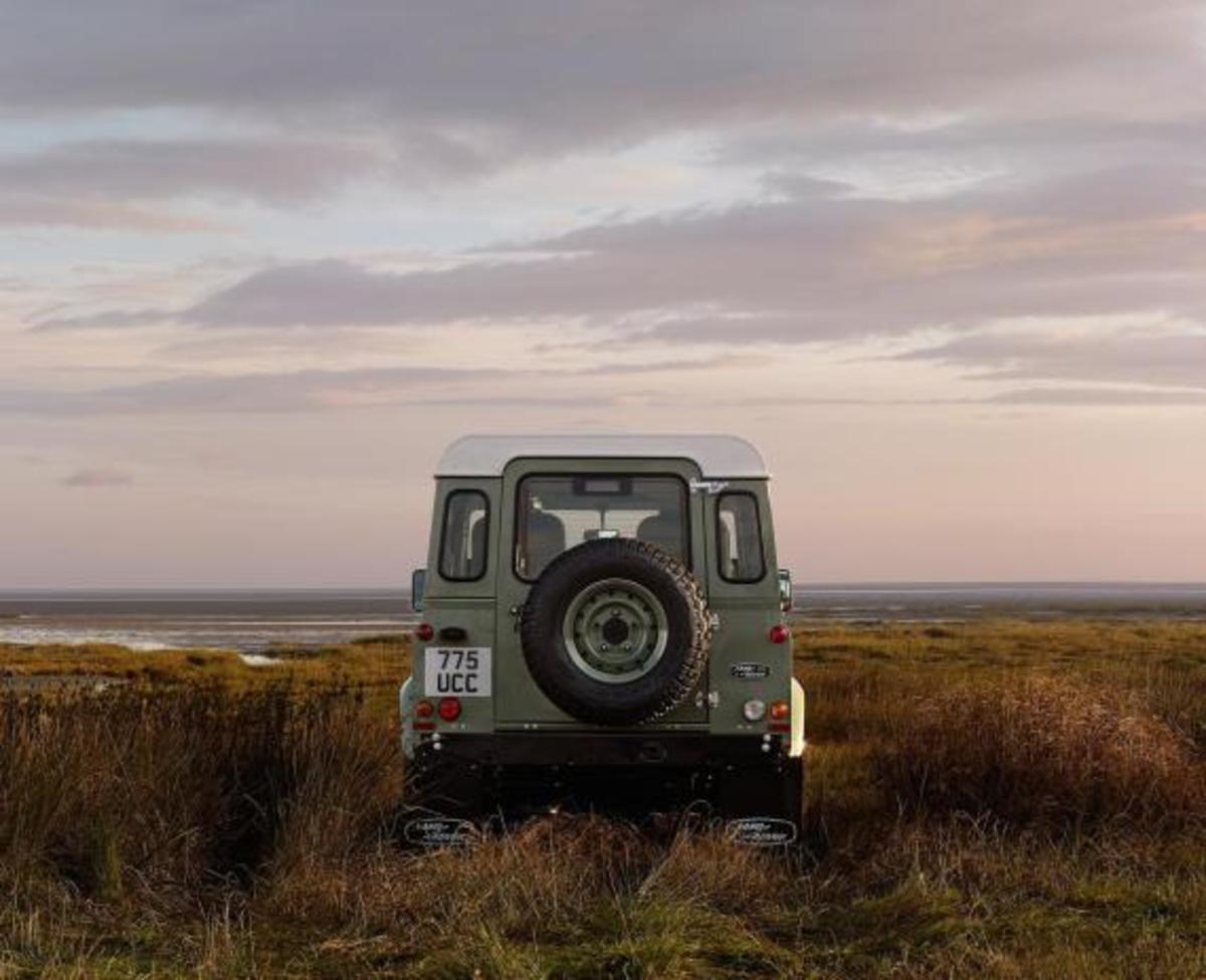 land-rover-limited-edition-defenders-06