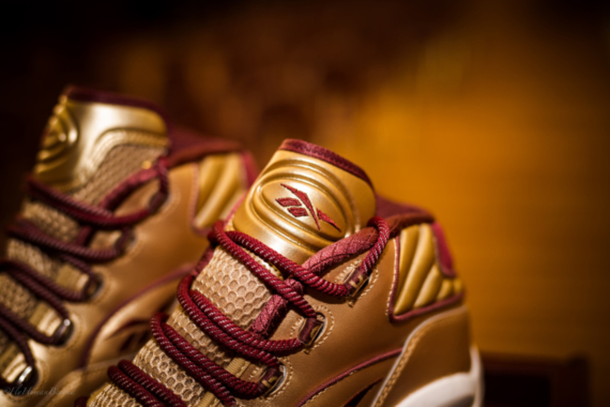 packer-shoes-reebok-question-mid-saint-anthony-pe-04