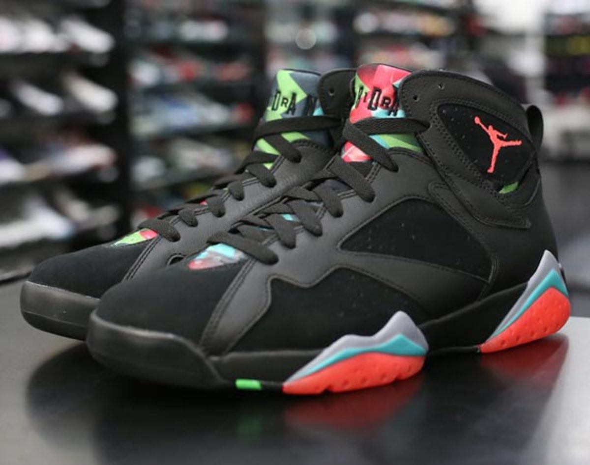 air-jordan-7-marvin-the-martian-preview-00
