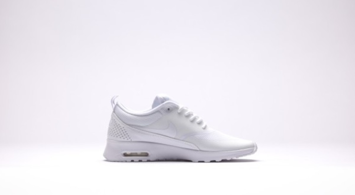 nike-wmns-air-max-thea-all-white-02