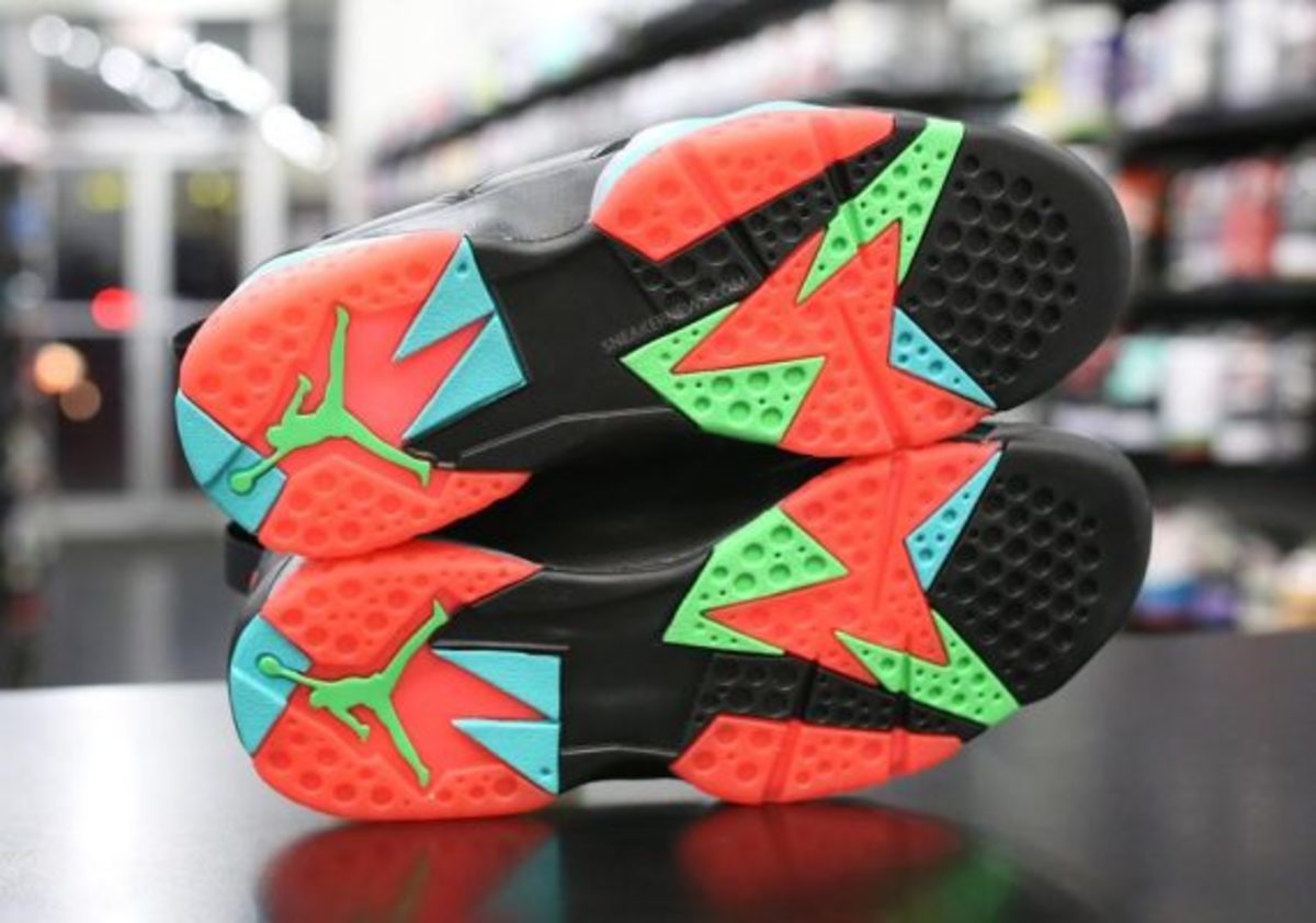 air-jordan-7-marvin-the-martian-preview-05