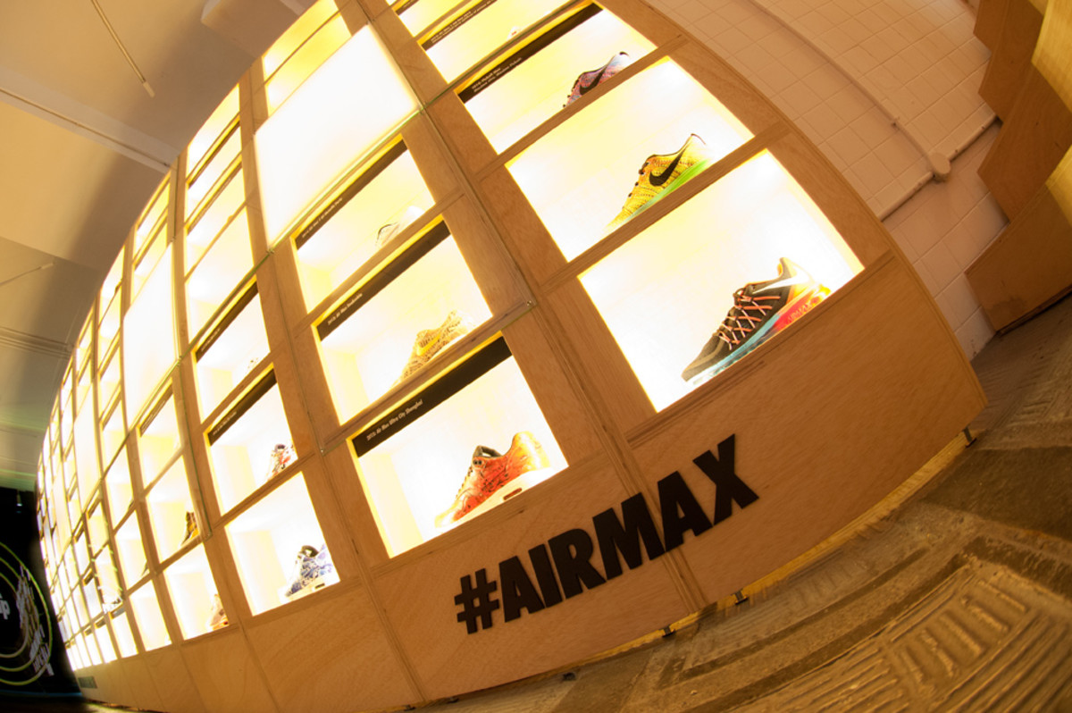 the-worlds-largest-air-max-wall-03