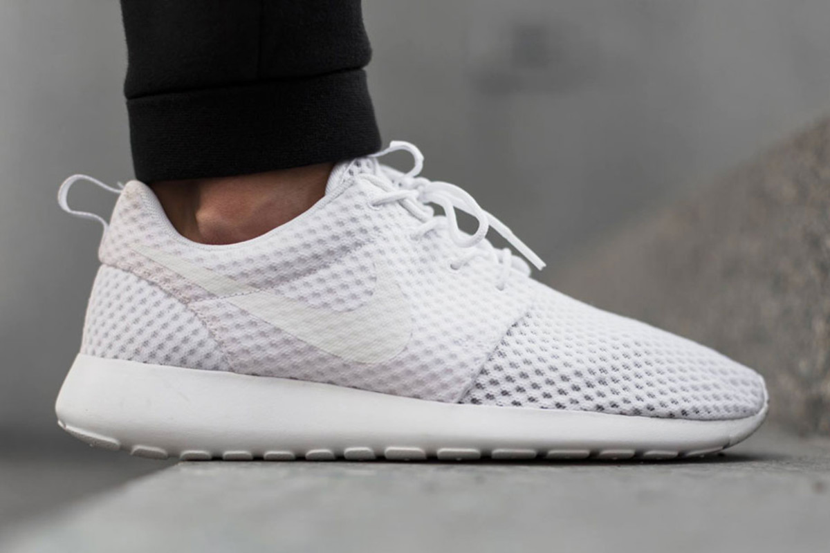 "super popular 37677 c05ef Nike Roshe Run Breeze – ""All White"" - Freshness Mag"