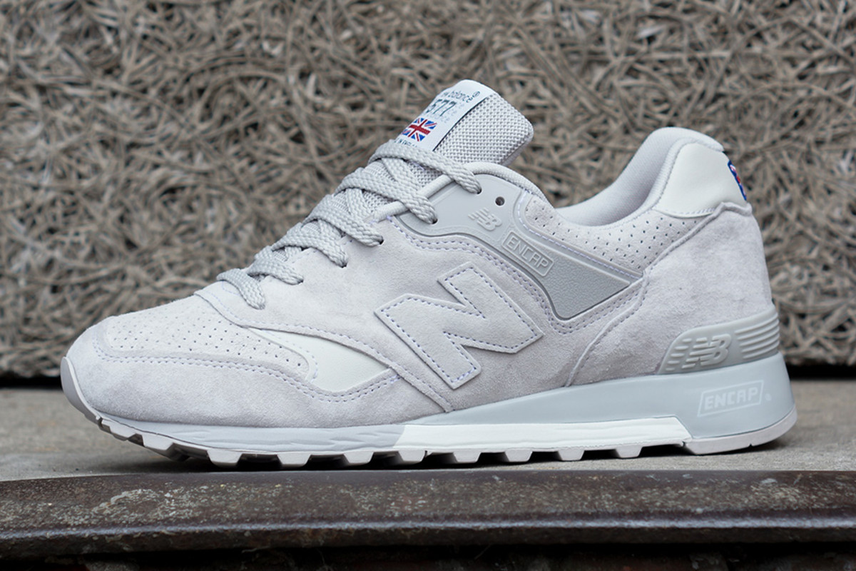 new-balance-flying-the-flag-collection-available-now-03