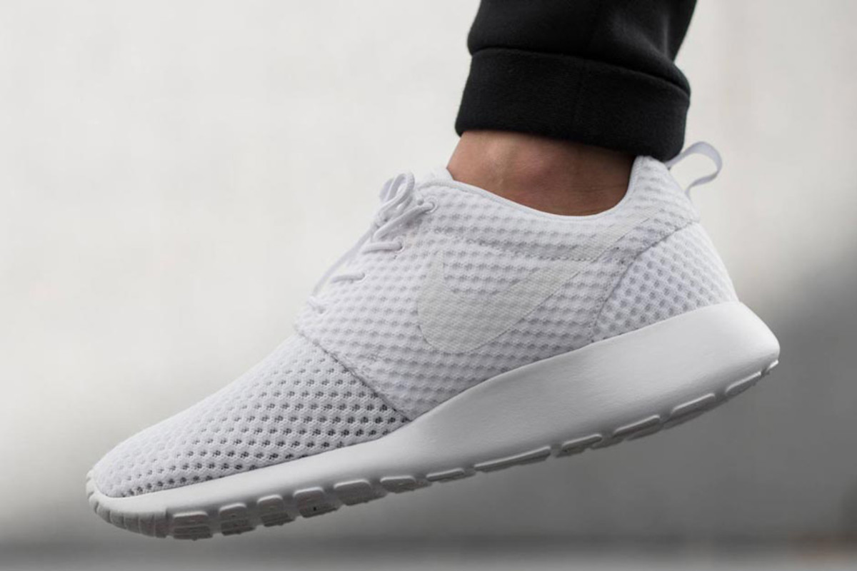 nike roshe run white details